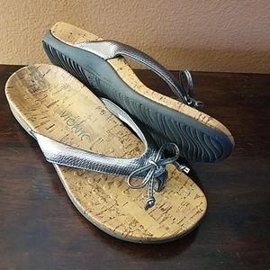 Vionic (Cassie) Leather/Cork Sandals!!